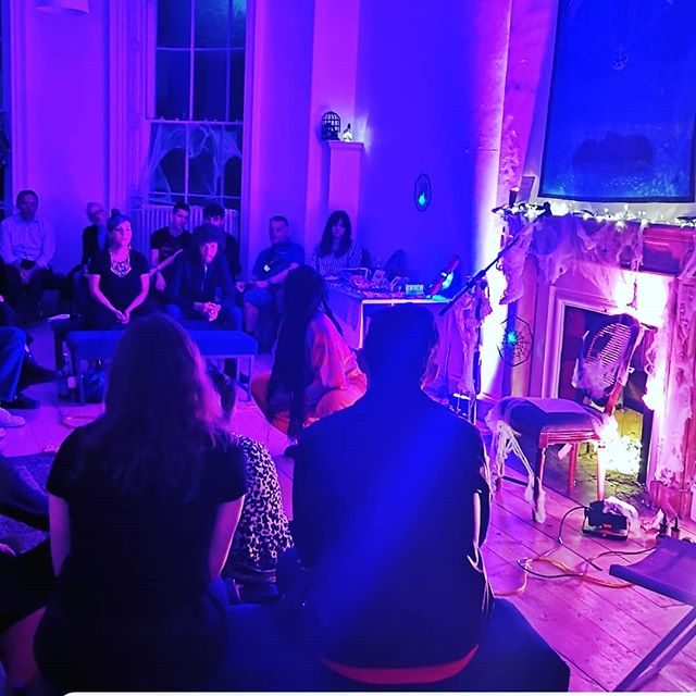 Culture Night 2019. We spent the evening in Poetry Ireland HQ listening to poets Vincent Woods and Simon Lewis accompanied with the beautiful and fascinating Farah Elle, musical artist. Then, we headed downstairs to a poetry and spoken word fest. We crossed the road to the Irish Writers Centre to witness the launch of Holy Show Arts and Lit Mag. Ending with a glass of wine in the foyer bar of The Gresham Hotel with friends and fans. Thank you @poetryireland @irishwriterscentre @vincentWoods @simonmlewis @farahelle